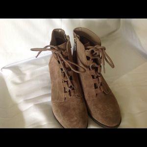 Anne Klein Flex Ankle Bootie Size 7